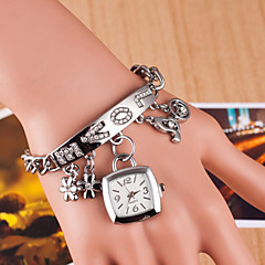 Damskie Modny Zegarek na bransoletce Sztuczny Diamant Zegarek Kwarcowy sztuczna Diament Stop Pasmo Srebro Złoty Silver Golden