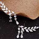 hesapli Küpeler-Kadın's Kübik Zirconia Püskül Vidali Küpeler / Kulak Tırmanışçıları - Leaf Shape Basit, Püskül Altın / Gümüş Uyumluluk Parti / Hediye / Günlük