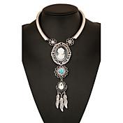 Mujer Cruz Forma de Círculo Gota Joyería Destacada Europeo Collares con colgantes Collares Declaración Legierung Collares con colgantes