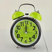 (Color al azar) de 3 pulgadas campana del reloj de alarma de regalo de la manera exquisita movimiento mudo de luz nocturna