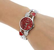 Femme Montre Tendance Bracelet de Montre Quartz Gravure ajourée Imitation de diamant Alliage Bande Heart Shape Rigide Argent