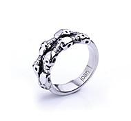 Недорогие -персональный подарок модно череп ювелирные изделия в форме нержавеющей стали выгравирован мужской кольцо