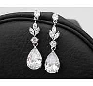 Elegant And Classic Princess Cut Women Long CZ Drop Earrings Unique Design Gold Plated Cubic Zircon Dangle Earrings