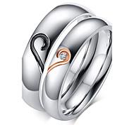 Недорогие -Жен. Кольца для пар Классические кольца Любовь Камни по месяцу рождения Циркон Титановая сталь Позолота В форме сердца Бижутерия