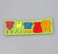 Cute Little Baby Suits Clothes Fondant Cake Silicone Mold Candy Mold Decoration Tools Ramdon Color