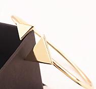 Недорогие -Жен. Браслет разомкнутое кольцо - Мода Треугольник Золотой Серебряный Браслеты Назначение Особые случаи Спорт