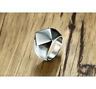 Недорогие -мужская группа кольца старинные персонализированные титановые стали геометрические украшения для свадьбы
