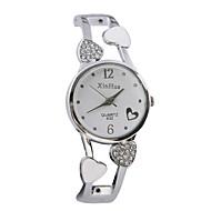Dames Modieus horloge Kwarts Vrijetijdshorloge Legering Band Heart Shape Bangle armband Zilver