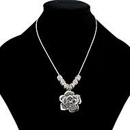 Недорогие Украшения в цветочном стиле-Жен. Цветы С цветами Цветочный дизайн Цветы Ожерелья с подвесками Стразы Стразы Серебрянное покрытие Позолота Сплав Ожерелья с подвесками