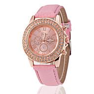 cheap Watch Deals-Women's Quartz Wrist Watch Rhinestone Leather Band Casual Fashion Black White Green Pink