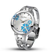 olcso Divatórák-Női Kvarc Szimulált Gyémánt Karóra Egyedi kreatív Watch Divatos óra Kínai Alkalmi óra ötvözet Zenekar Bokaperec Ezüst