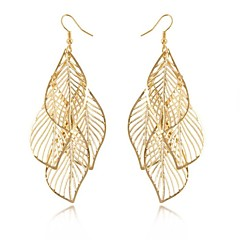 Damskie Kolczyki wiszące Pusty Elegancki Długi Długość Europejski Wyrazista biżuteria biżuteria kostiumowa Stop Leaf Shape Biżuteria Na