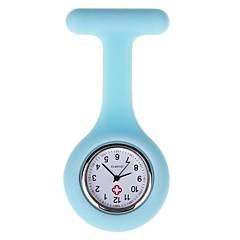 preiswerte Damenuhren-Damen Taschenuhr Quartz Armbanduhren für den Alltag Silikon Band Analog Süßigkeit Schwarz / Weiß / Blau - Rot Rosa Hellblau Ein Jahr Batterielebensdauer