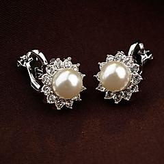 お買い得  イヤリング-女性用 クリップイヤリング / イヤリング  -  真珠, ラインストーン フラワー ヴィンテージ, パーティー, かわいいスタイル ホワイト / ブラック 用途 日常