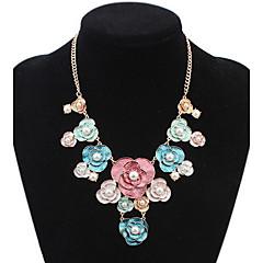 Női Rövid nyakláncok Nyilatkozat nyakláncok Strands nyakláncok Ékszerek Flower Shape Gyöngyutánzat Ötvözet Alap Strassz Természet