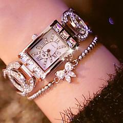 Недорогие Ко Дню Святого Валентина-Жен. Кварцевый Наручные часы Японский Повседневные часы Нержавеющая сталь Группа Кулоны Имитированные алмазные часы Уникальные творческие