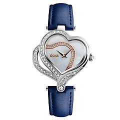preiswerte Damenuhren-SKMEI Damen Armbanduhr Quartz 30 m Wasserdicht Cool Nylon Echtes Leder Band Analog Luxus Retro Modisch Schwarz / Weiß / Blau - Schwarz Hellblau Rot