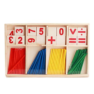 çocuklar için kurulmuş ahşap aritmetik sopalarla sahne