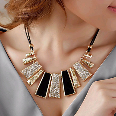 Недорогие Модные ожерелья-Жен. Заявление ожерелья Дамы европейский Мода Стразы Искусственный бриллиант Сплав Черный Ожерелье Бижутерия Назначение Для вечеринок Повседневные