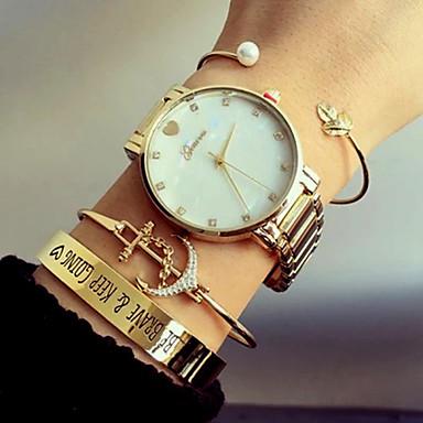 Mulheres Quartzo Bracele Relógio Venda imperdível Aço Inoxidável Banda Luxo Heart Shape Fashion Prata Dourada Ouro Rose