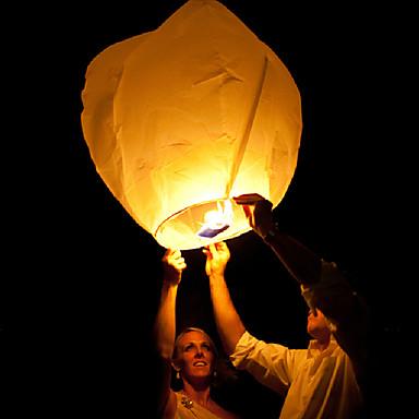 esküvő, akik gyertyával kínai tűzoltó repülő ég papír Kongming úszó lámpás véletlenszerű szín