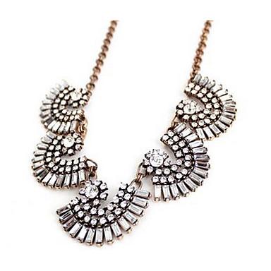 Pentru femei Coliere cu Pandativ imitație de diamant Piatră Preţioasă La modă Vintage Euramerican Floral Bijuterii PentruPetrecere Ocazie