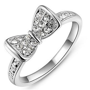 Dames Bandringen Kristal Basisontwerp Liefde Sexy Modieus PERSGepersonaliseerd leuke Style Luxe Sieraden Klassiek Elegant Kristal Legering