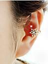 Woman\'s Fashion Gold Plated Beautiful Snowflake Crystal Single Ear Clip Earrings 1pc