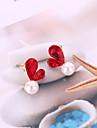 בגדי ריקוד נשים 3D עגילים צמודים דמוי פנינה עגילים לב קוראני מתוק אופנתי תכשיטים אפור / אדום עבור יומי זוג 1